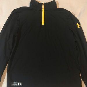 1/4 zip long sleeved shirt
